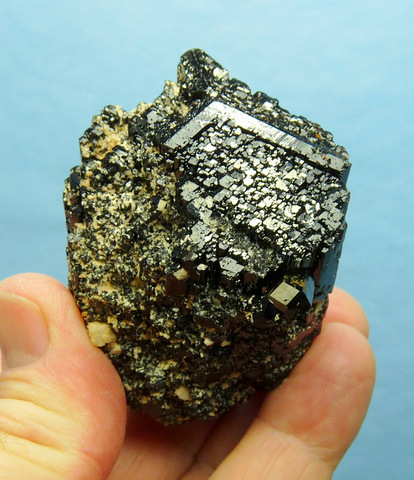 Multi-terminated schorl crystal with feldspar