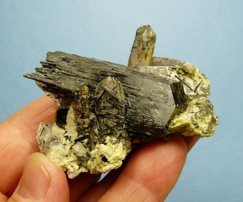 Very interesting schorl and quartz specimen with other minerals